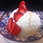 Enormous strawberry meringue!