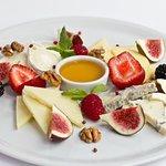 Тарелка итальянских сыров