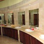 Uno de los varios baños públicos