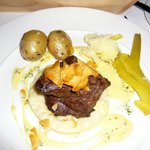 Fillet of Irish Beef, Jerusalem Artichoke Puree With Bearnaise Sauce & Vegetab