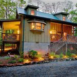 Deer Lodge (our deluxe cabin, 2 bedrooms, 2 bath, hottub)