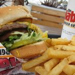 Burger w/ fries