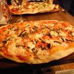Rustica Funghi pizza