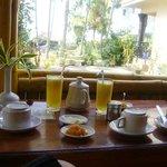 Frühstück auf Bungalowterrasse