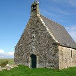 Le clos des chaumières . La chapelle Saint Anne . Cherrueix.g