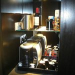 awesome kettle and mini bar stuff!