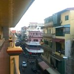 schmaler sauberer balkon