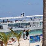 beach boat for massage