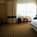 02 Room 735 LAX 4 Pts