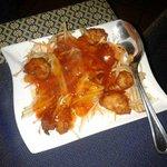 Pollo fritto con mele e in salsa agrodolce