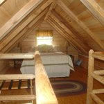 Hickory Hollow log cabin loft