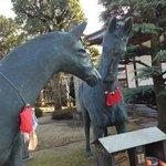 やはり!といいますか、馬の像がありました。