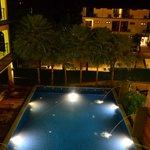 бассейн . вид с 3 этажа