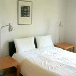 """Apart-Suite """" Sunshine"""" Queensize bedroom"""