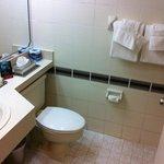Bathroom (regency club room)
