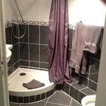 manque le porte savon dans la douche !