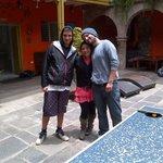 Con nuestra amiga, bartender y recepcionista, Yajaira.