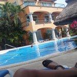 vista de la piscina desde las habitaciones