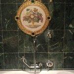 bagno ...che mi sembrava un po' di essere a Versailles e un po' alle Nazioni Unite :-)