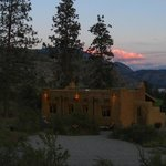 Bighorn Ridge Guest House at sunset