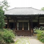 静かなお寺ですが、萩の時期は観光客で賑わっています