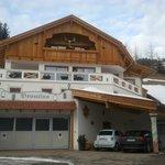 Esterno Dependance, garage e deposito sci