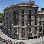 Vistas desde los balcones del Hostal Fontanella, (Plaza Urquinaona), a 3 mi. de Plaza Cataluña