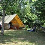Tente Amazone - camping Brantôme Peyrelevade Dordogne