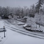 Vista desde mi habitacion al estacionamiento luego de una nevada