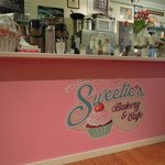‪Sweetie's Bakery & Cafe‬