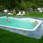 Swimming pool Lakeside Tourist Park
