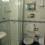 Washroom w/ bidet