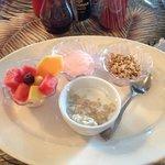 healthy choice breakfast w/ voucher.