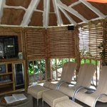 The large cabana for 8 people - comfy loungers