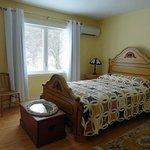 Garden Room - Queen Bed