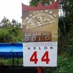 Kelok 44 Sign