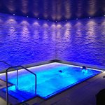 The jacuzzi/pool