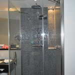 Crowne Plaza Amsterdam South Bathroom 1