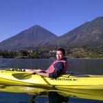 kayaks en el hotel para salir al lago