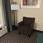 sitting area (234)