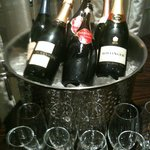 Champagne service and lots of ice