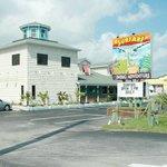 Surfari Restaurant & Bar