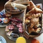 panier du petit dejeuner en room service