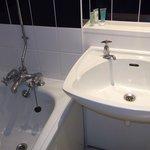 Bathroom of 401