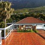le toit terrasse et Table Mountain en arrière plan