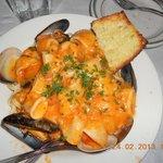 Seafood Linguini ... awesome!!