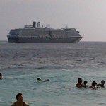 zarpe del crucero desde la playa