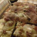 Pizza Patate e salsiccia e Pizza Capricciosa