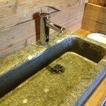 lavandino in pietra bagno