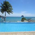 vue de la piscine de l hôtel